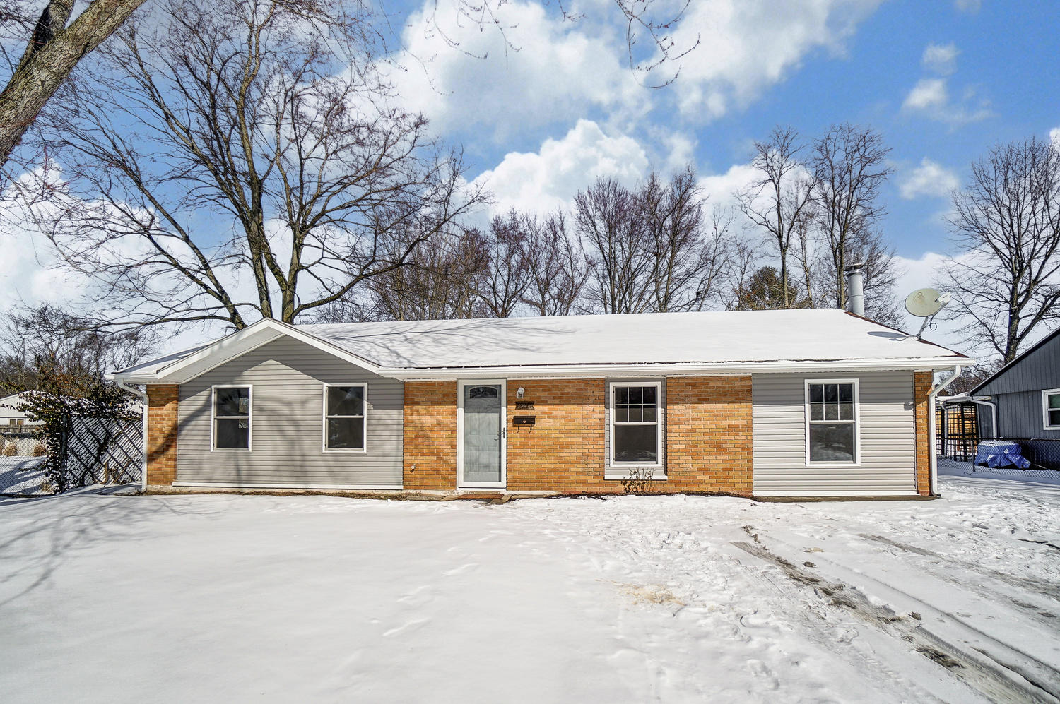 1211 Hemlock Way Property Photo - New Carlisle, OH real estate listing