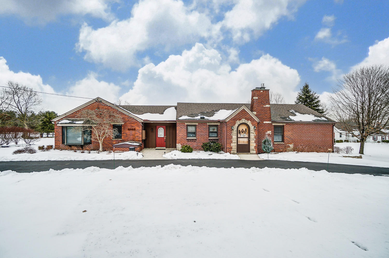 8360 Frederick Property Photo - Dayton, OH real estate listing