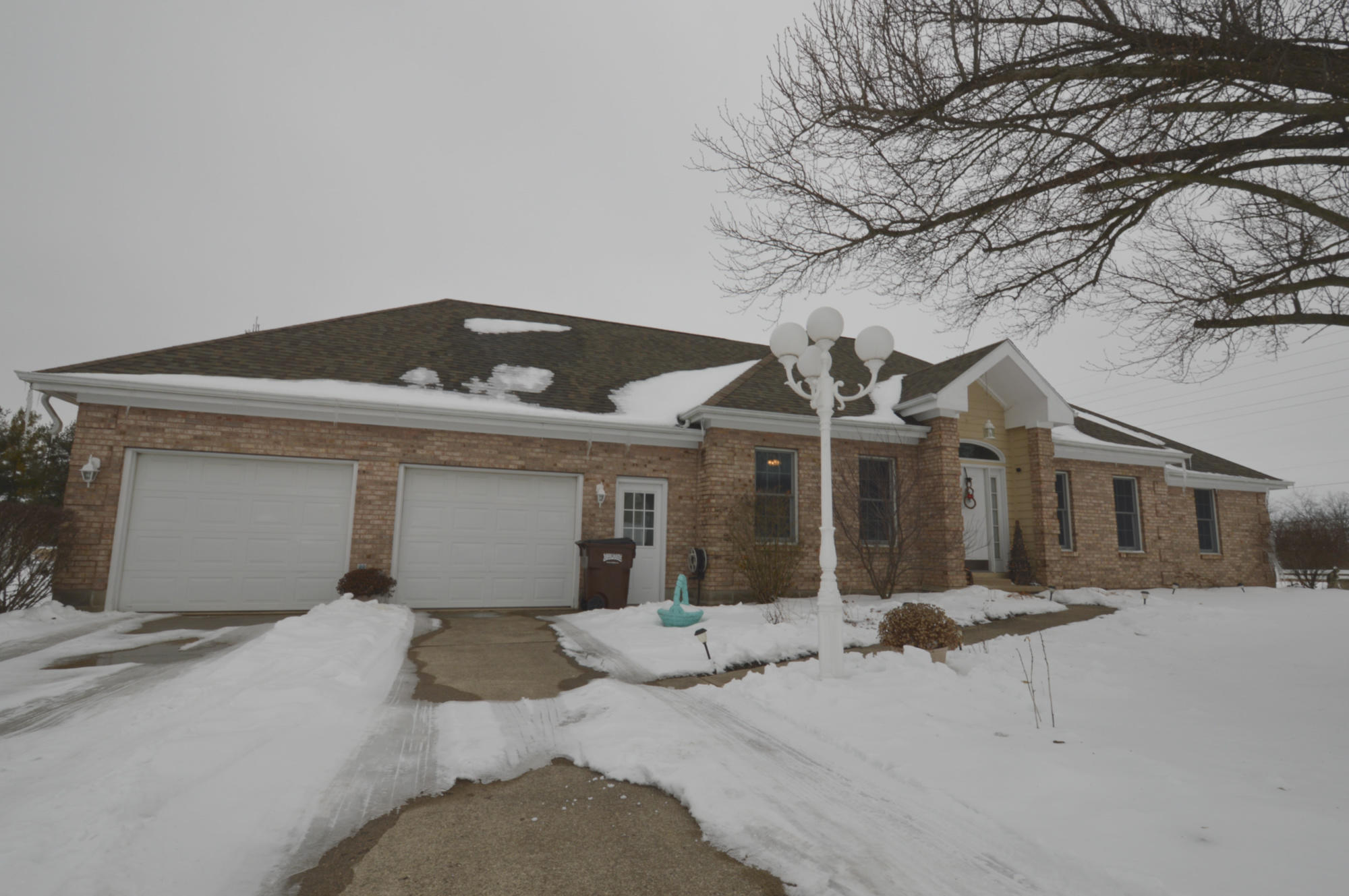 6971 Fieldbrook Drive Property Photo - Springfield, OH real estate listing