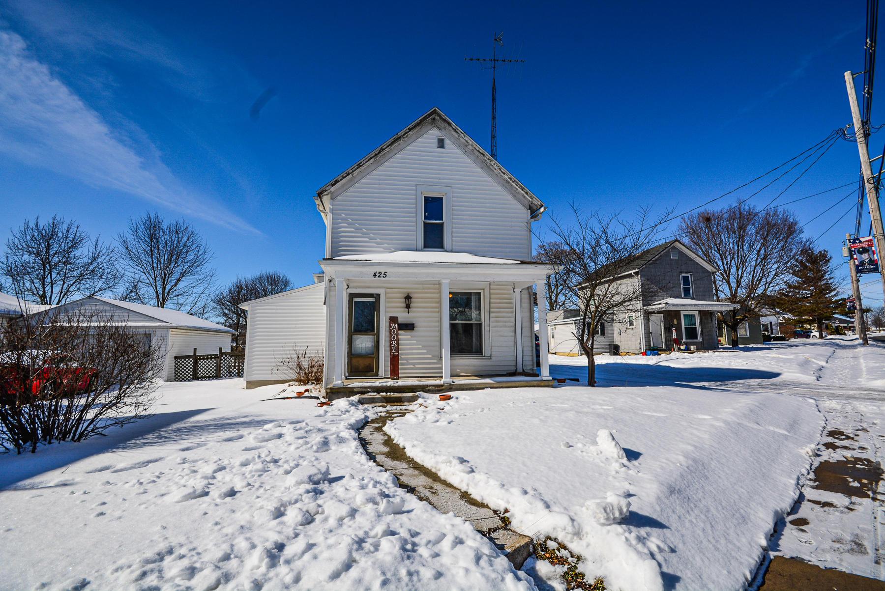 425 Defiance Street Property Photo - Wapakoneta, OH real estate listing