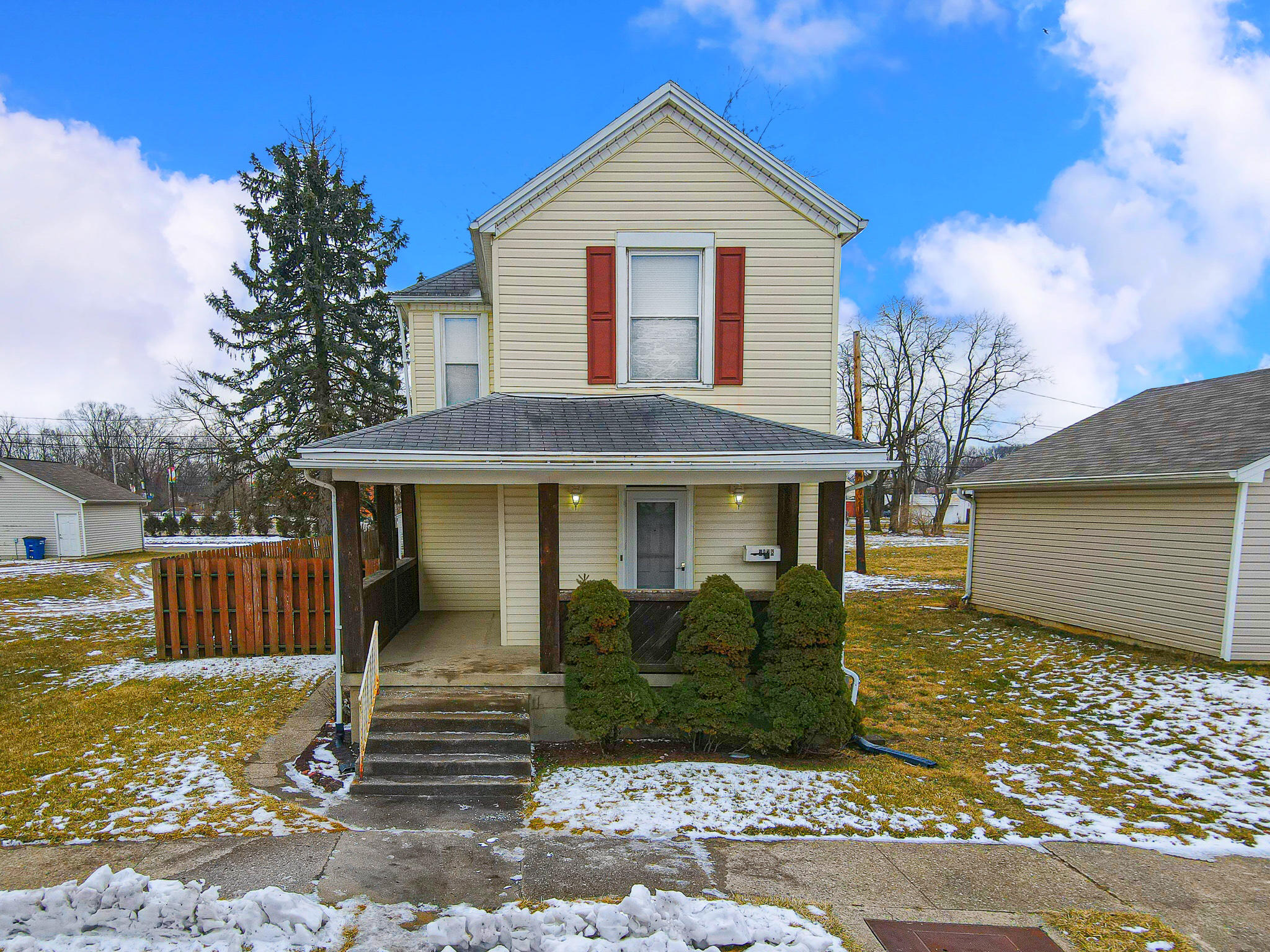 2128 W 2nd Street Property Photo 1