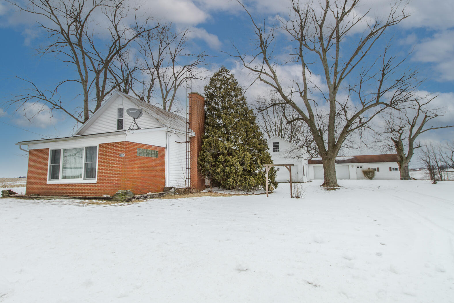 1895 Stephens Road Property Photo - New Madison, OH real estate listing