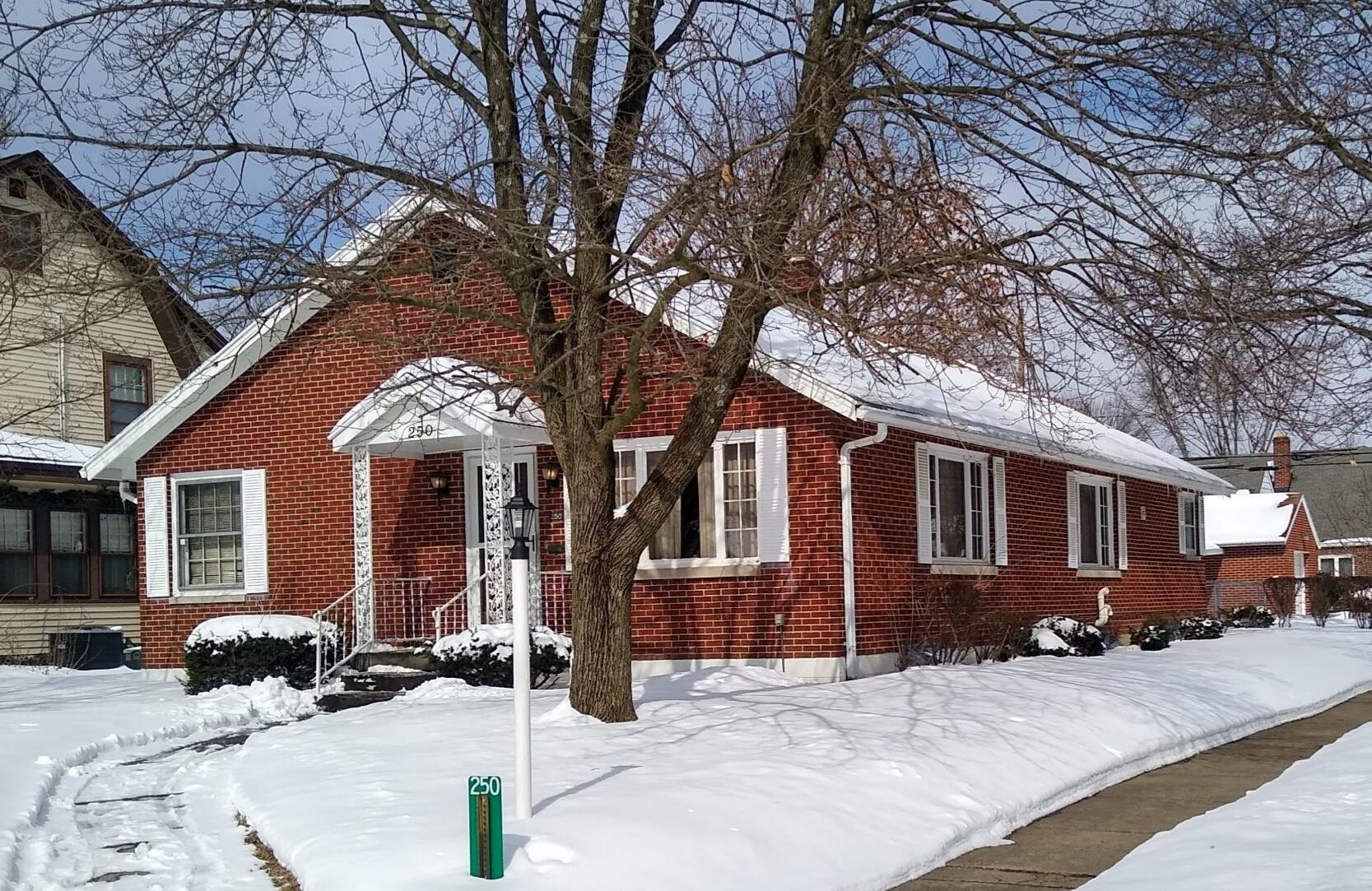 250 Dover Road Property Photo - Springfield, OH real estate listing