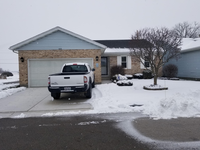 829 Spring Lake Circle Property Photo - Enon, OH real estate listing