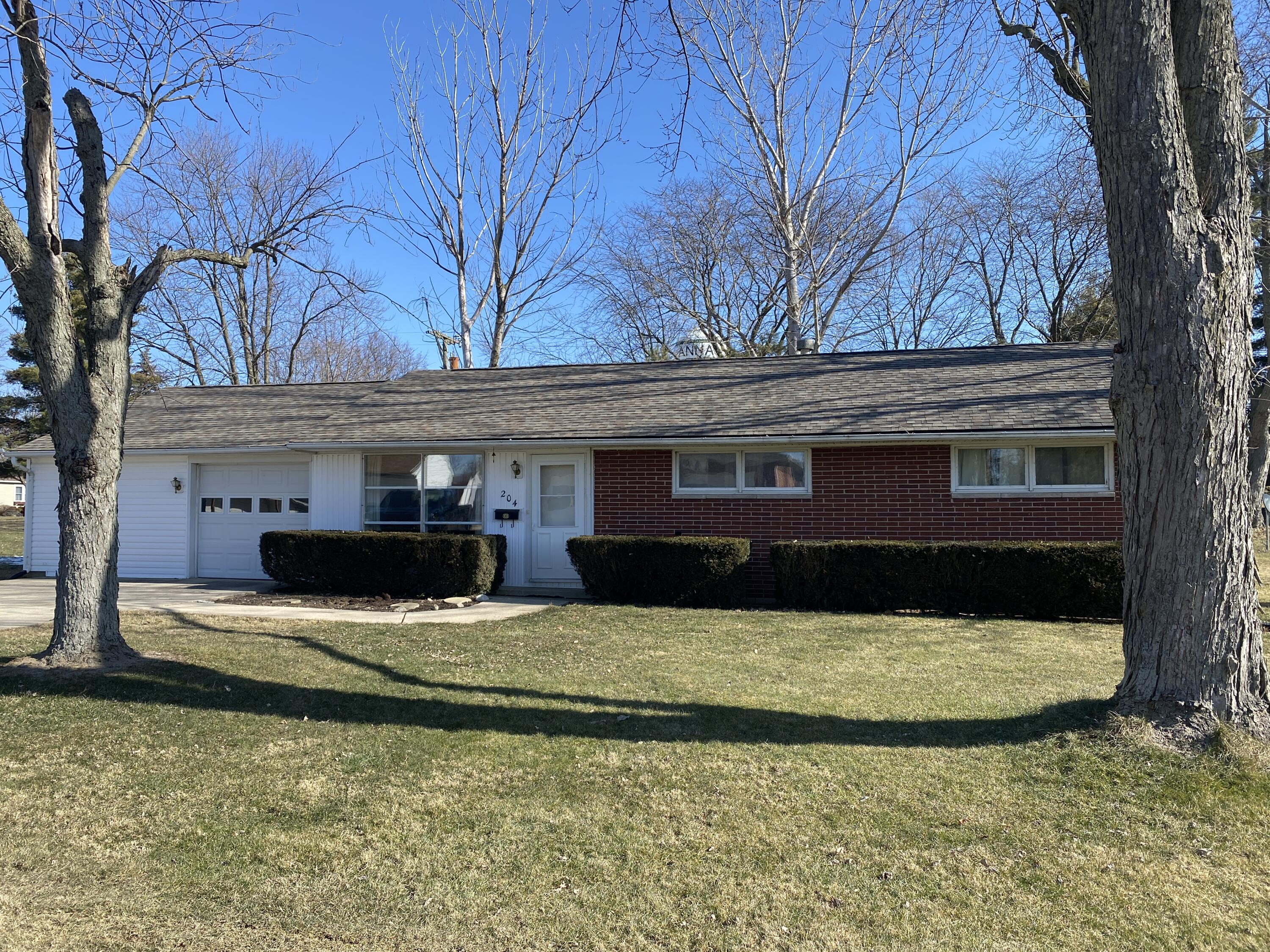 204 S Linden Avenue Property Photo - Anna, OH real estate listing
