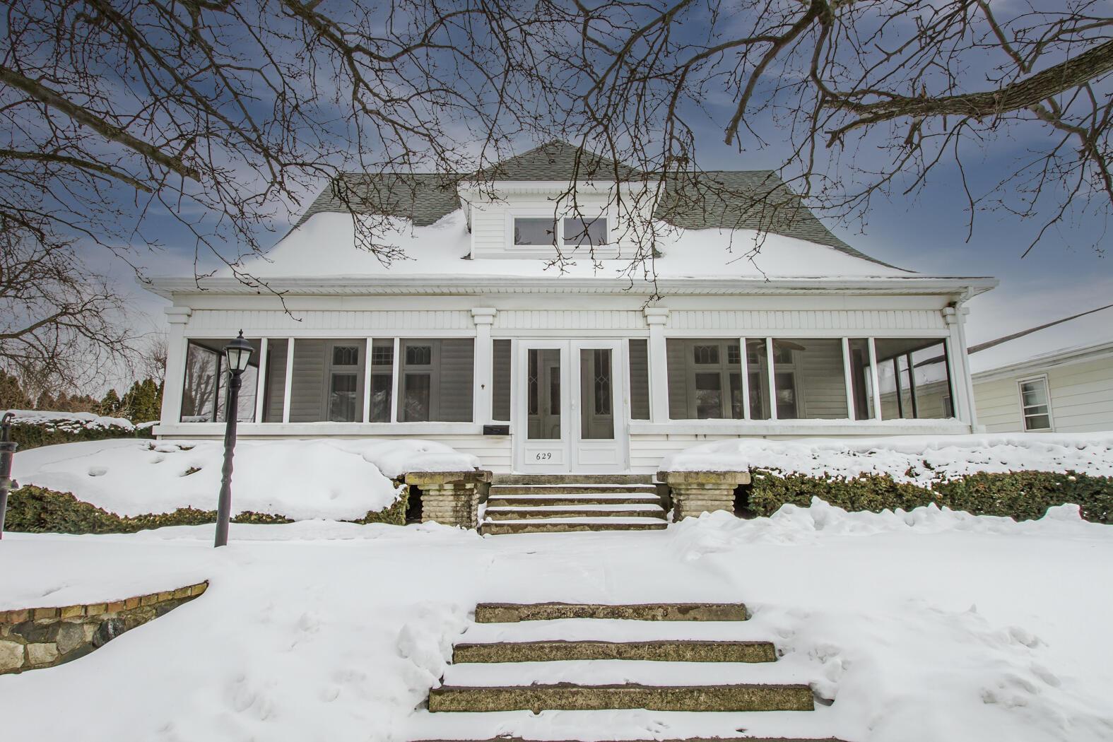629 Chestnut Street Property Photo