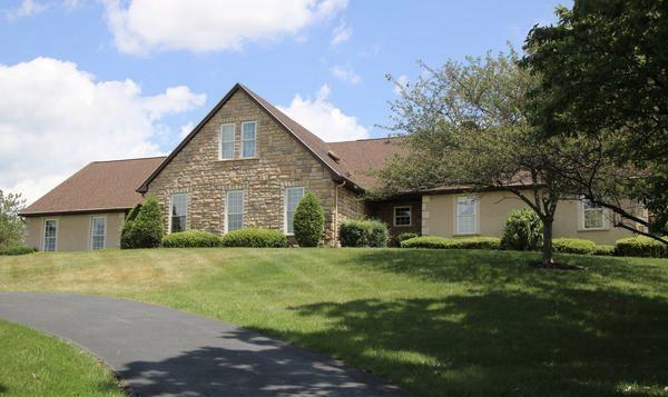 250 Roscommon Drive Property Photo 1