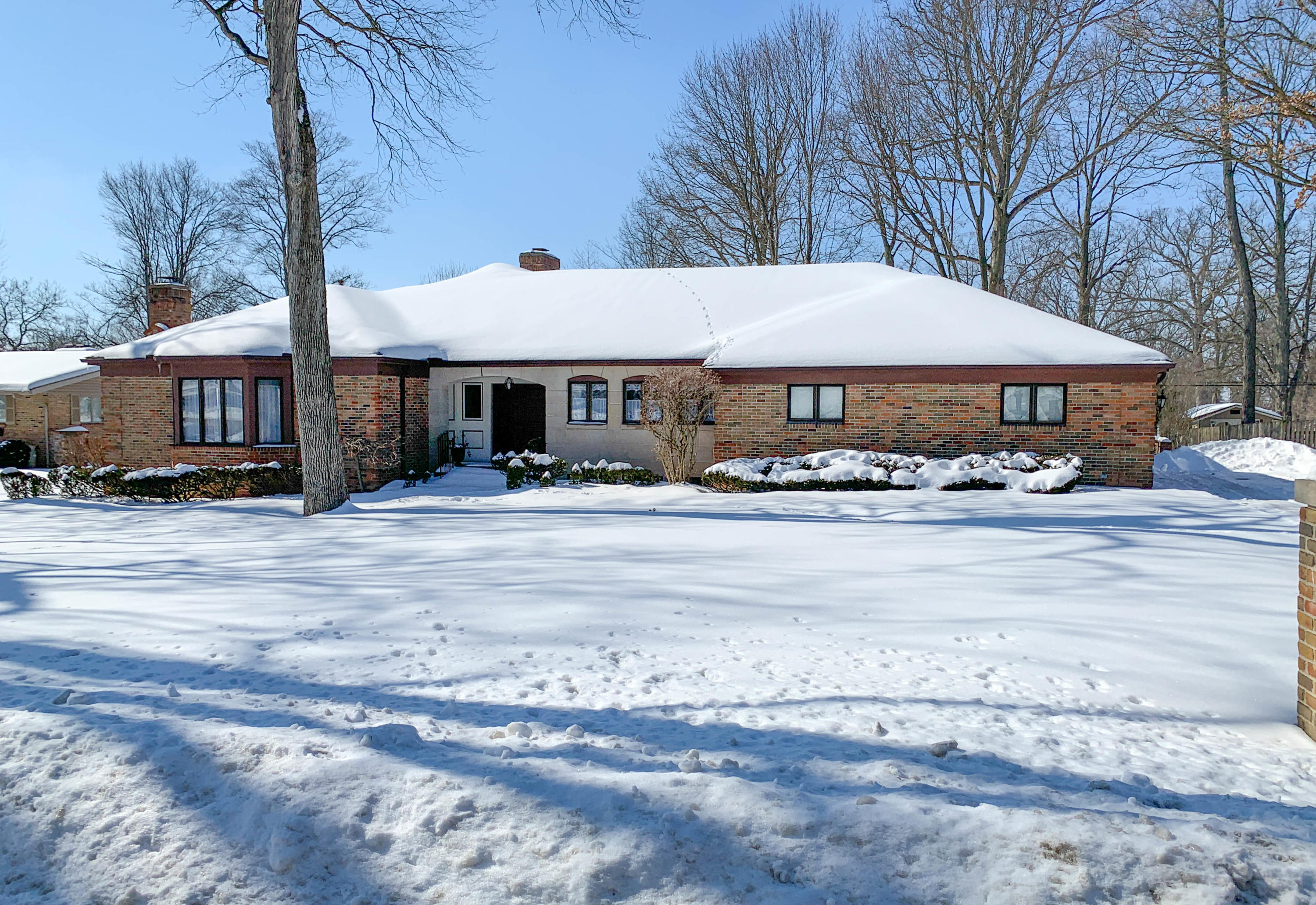 990 Bonair Drive Property Photo - Urbana, OH real estate listing