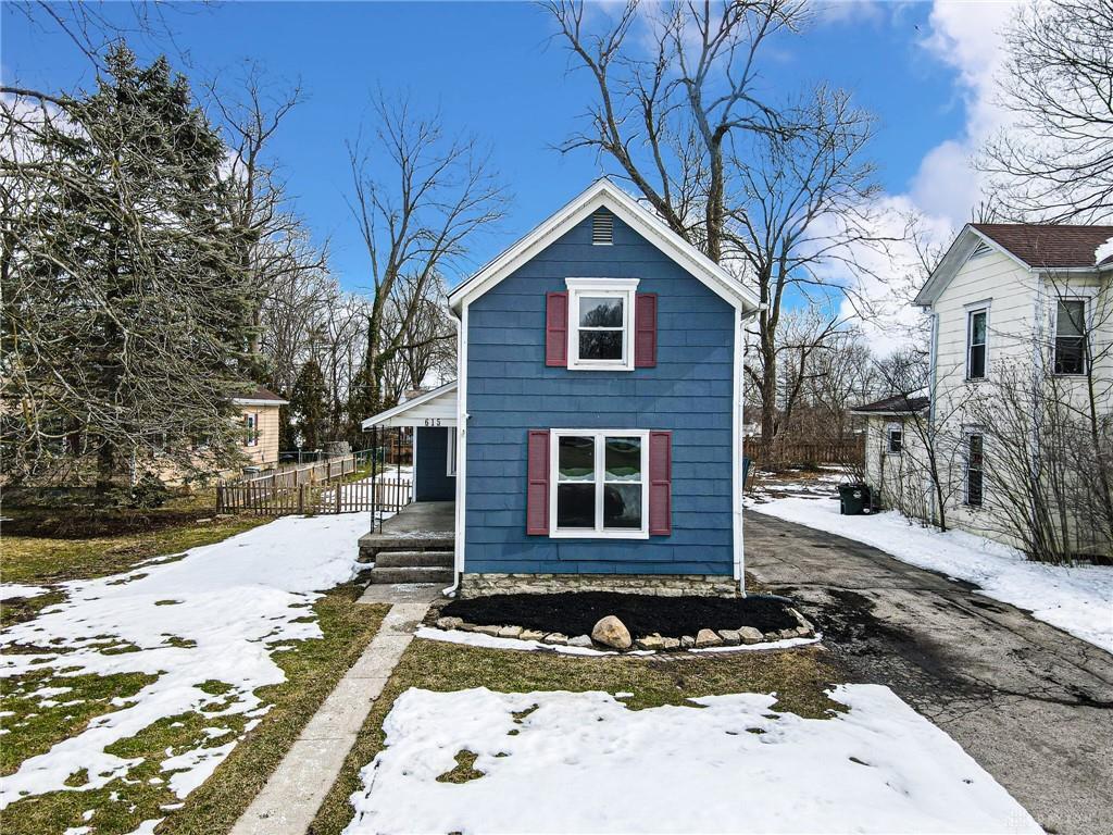 615 Summit Avenue Property Photo 1