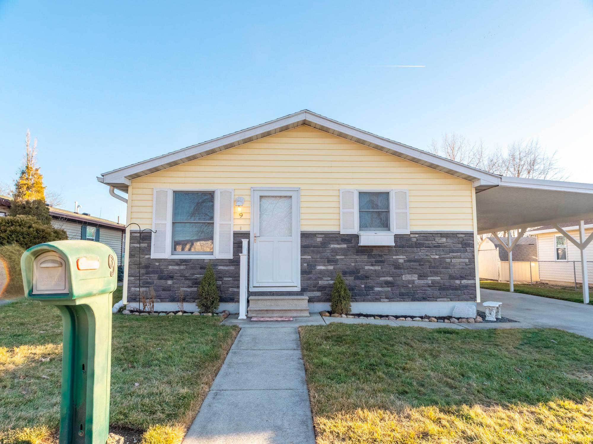 9 Eastlake Drive Property Photo - Wapakoneta, OH real estate listing