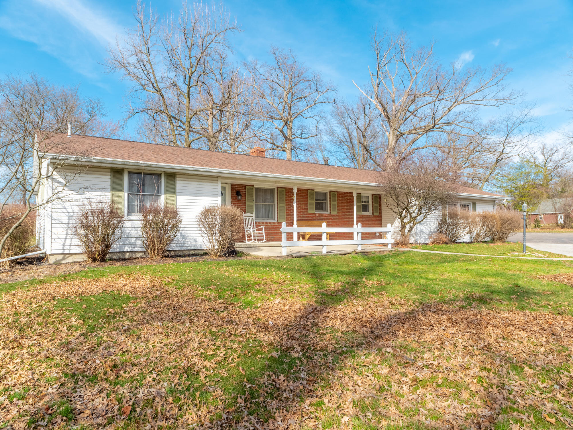 832 Glynwood Road Property Photo - Wapakoneta, OH real estate listing