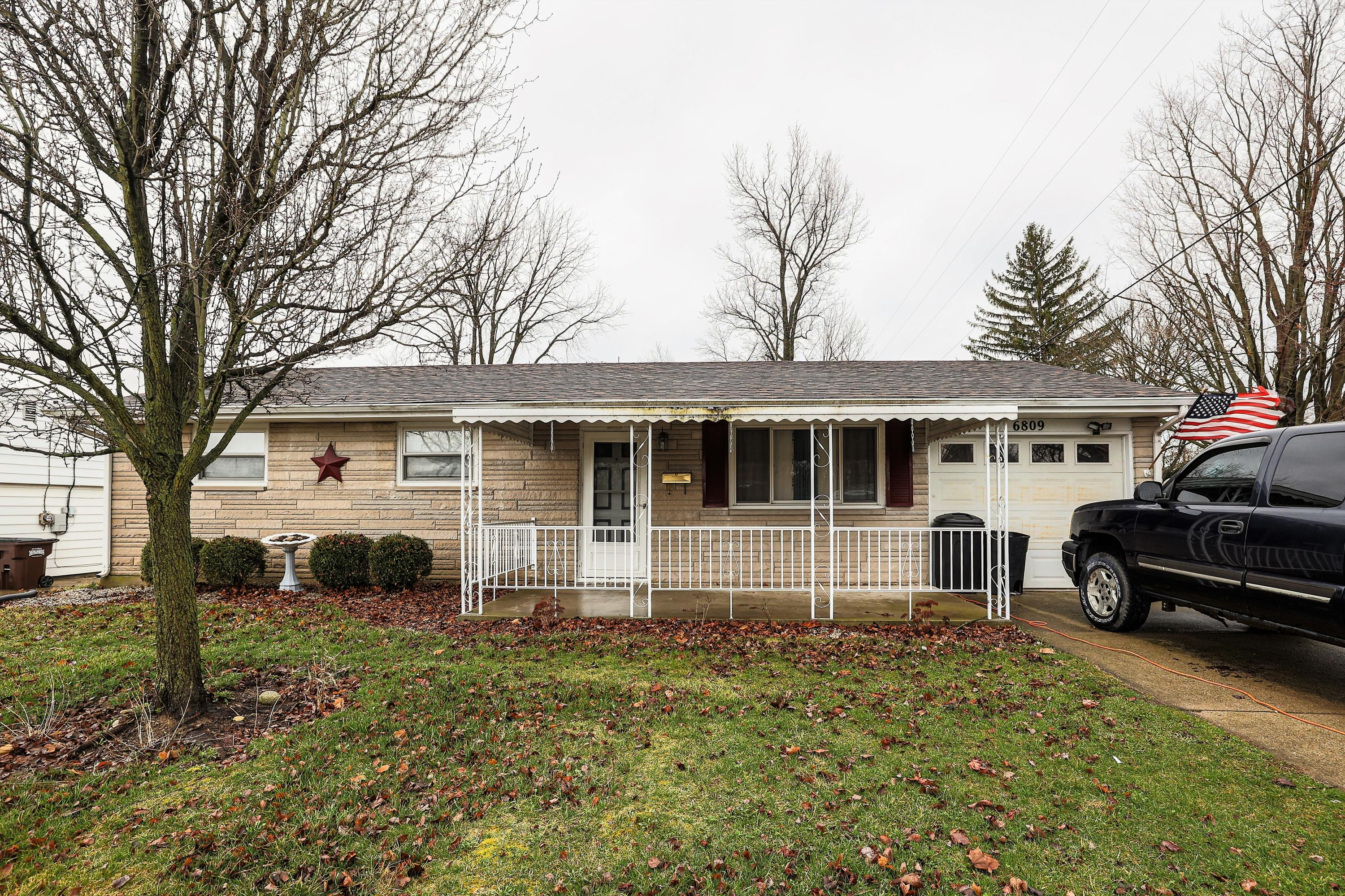 6809 Southern Vista Drive Property Photo - Enon, OH real estate listing
