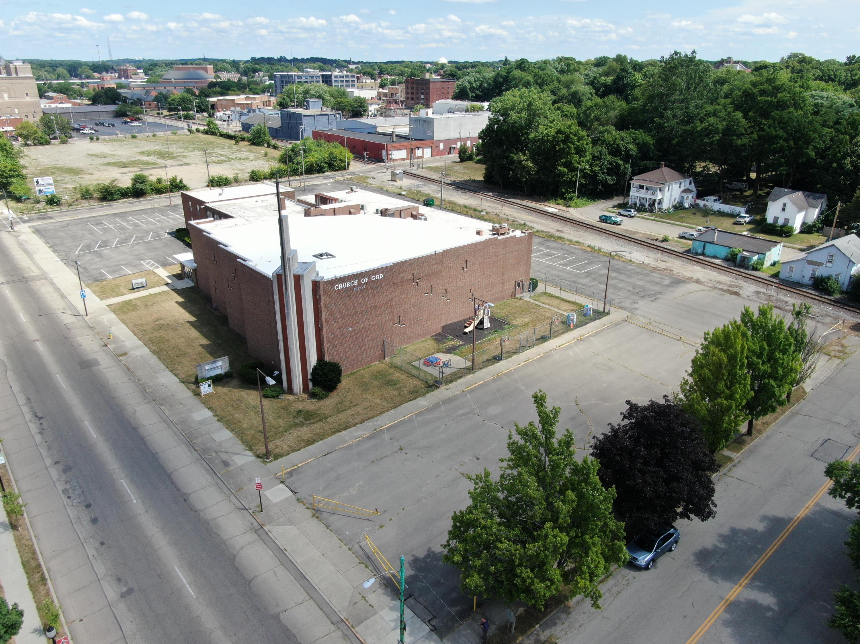 313 W High Street Property Photo
