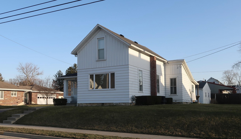 525 E Walnut Street Property Photo