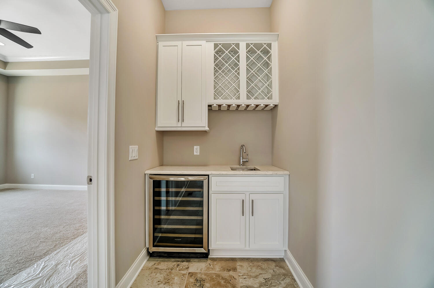 412 Cathedral Court Property Photo 20
