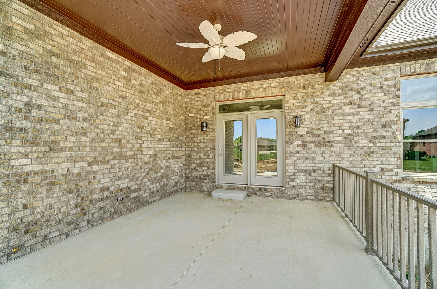 412 Cathedral Court Property Photo 28