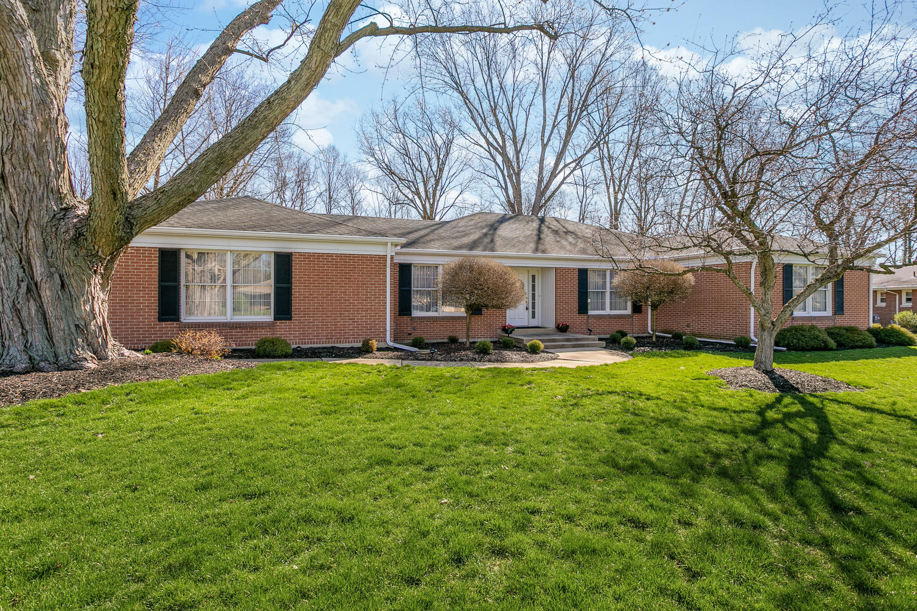 25 Marymont Drive Property Photo - Piqua, OH real estate listing