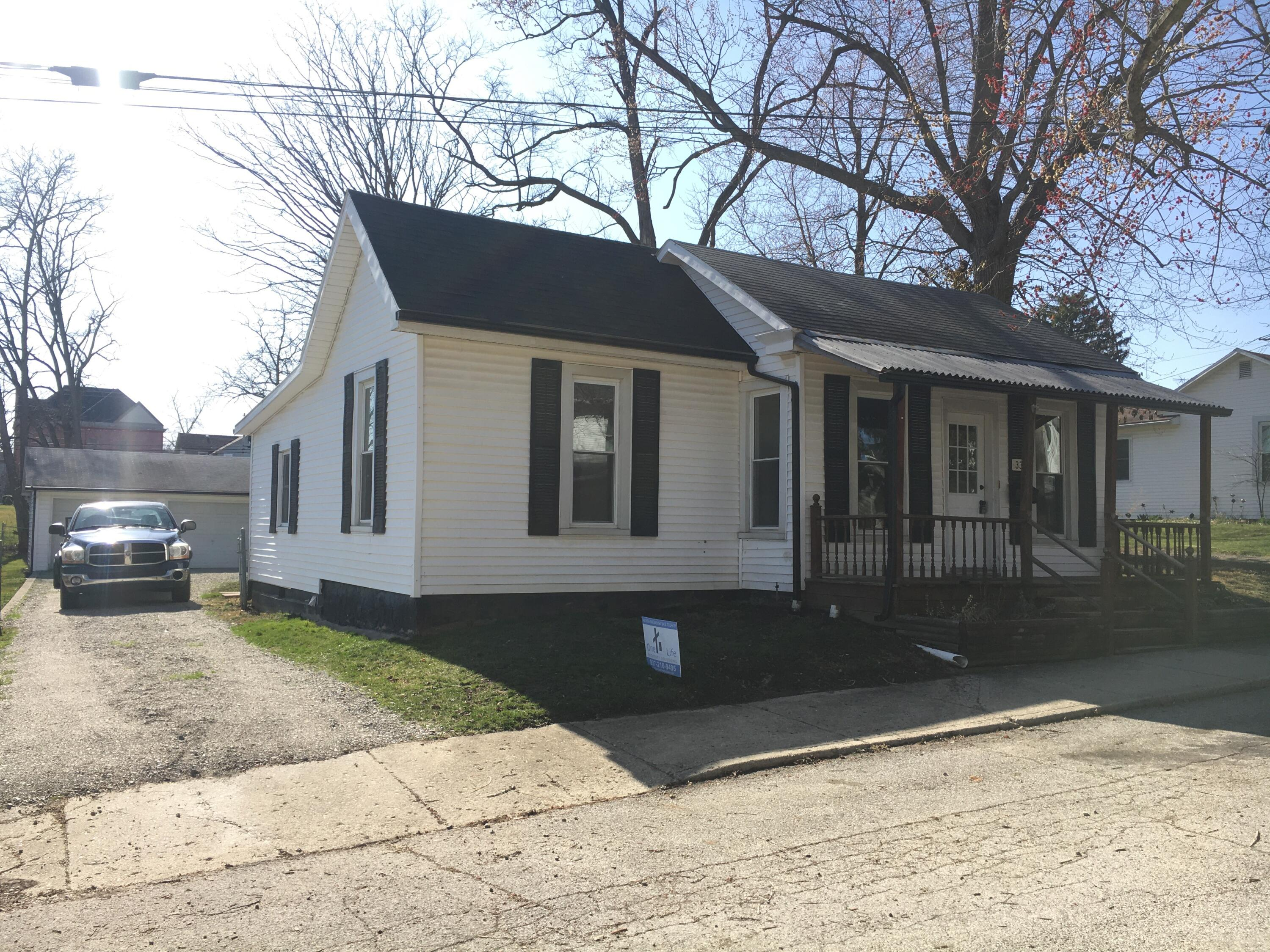 33 N Locust Street Property Photo - Mechanicsburg, OH real estate listing