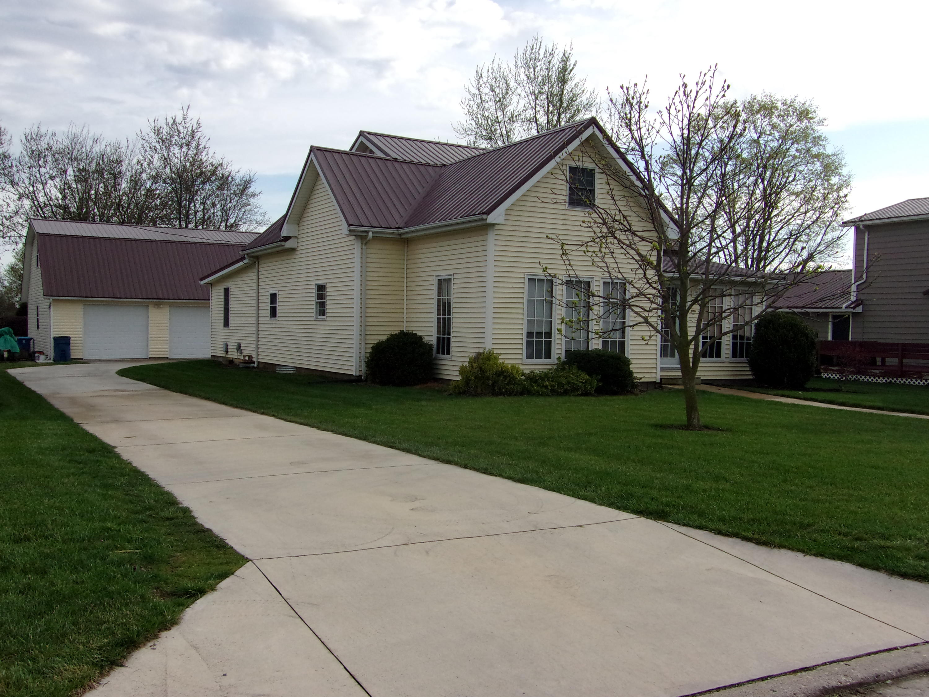 203 E South Street Property Photo - Botkins, OH real estate listing