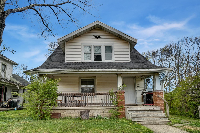 1009 N Lowry Avenue Property Photo 1