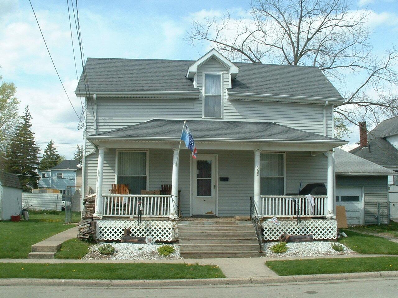 308 E Rauth Street Property Photo