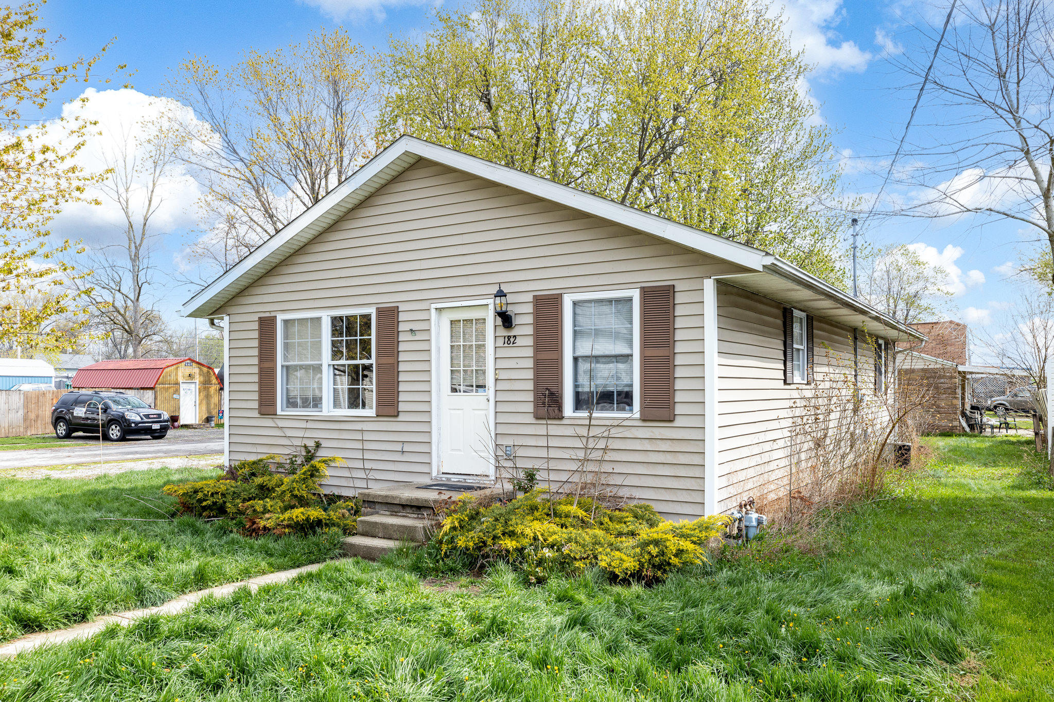 182 N Oak Street Property Photo - Lakeview, OH real estate listing