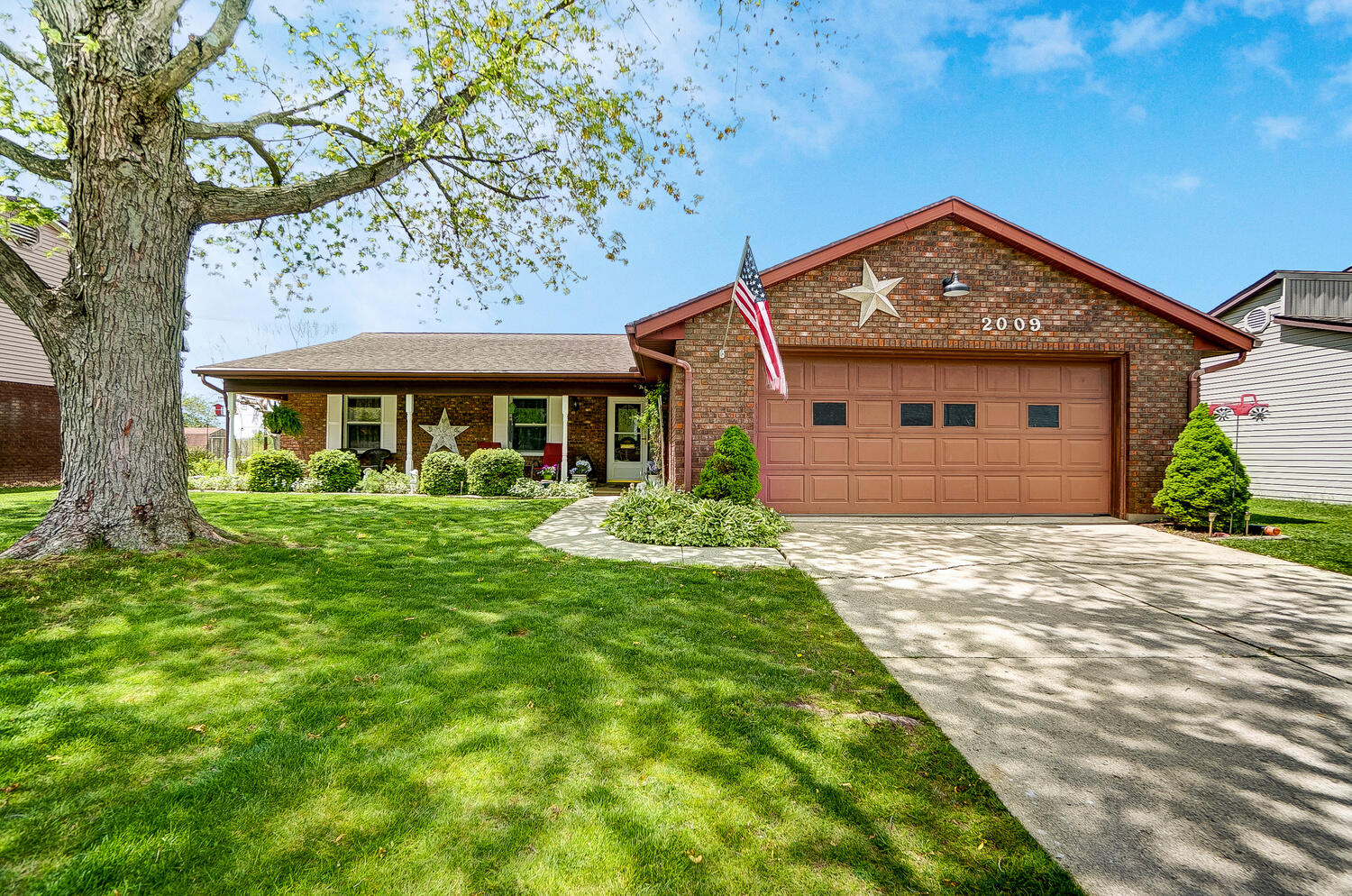 2009 Cheshire Drive Property Photo - Saint Marys, OH real estate listing