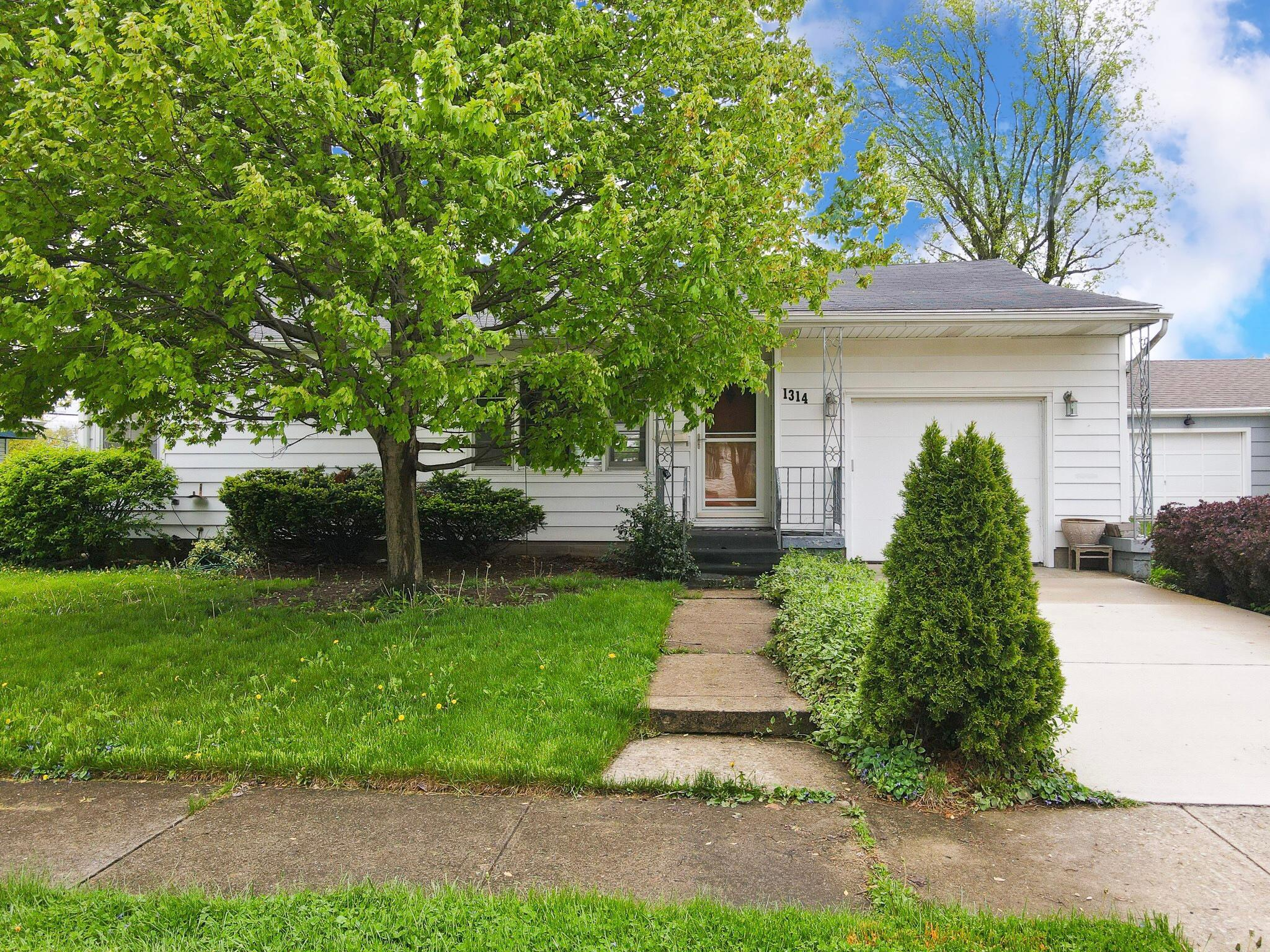 1314 Covent Road Property Photo 1