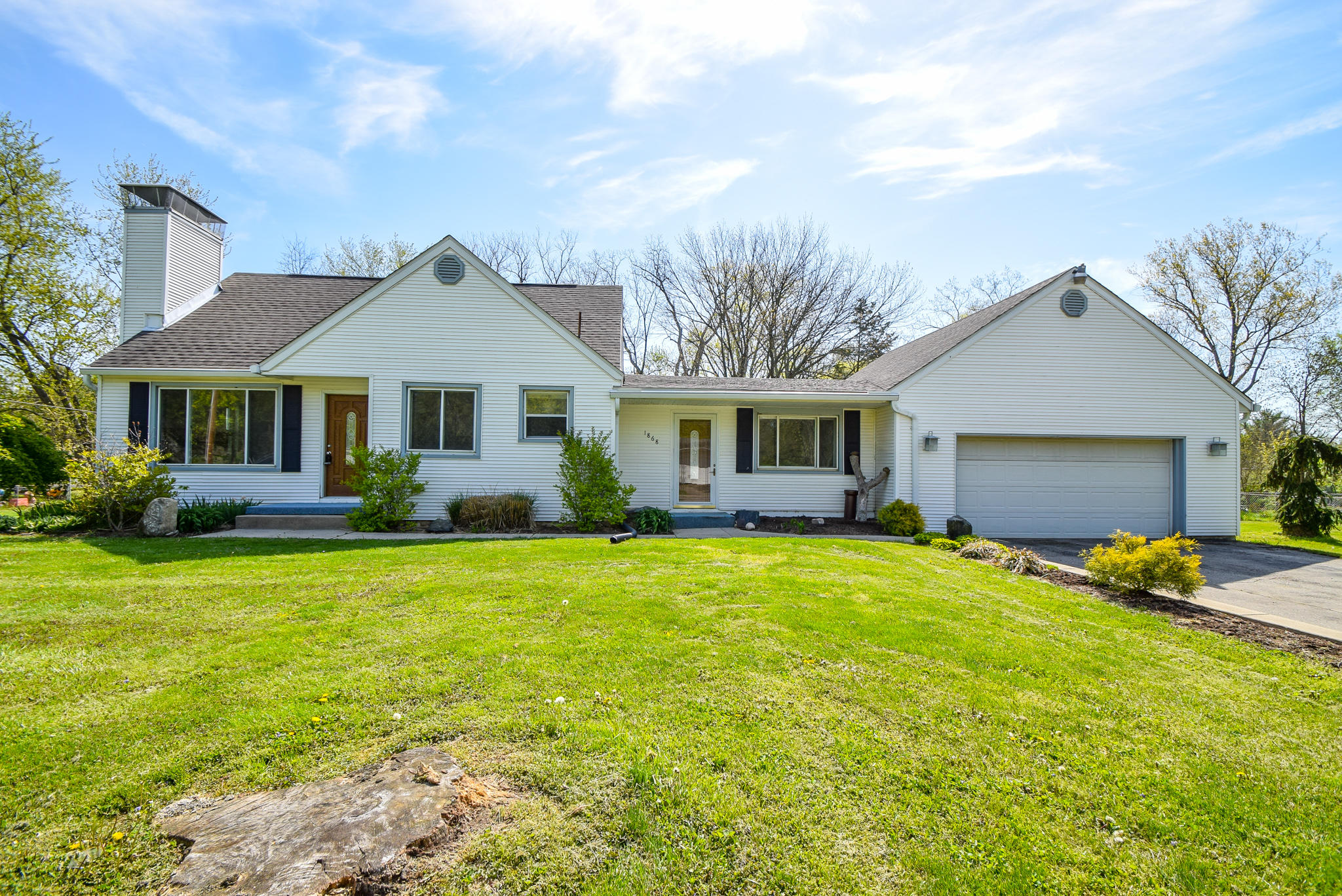 1868 Stansberry Road Property Photo - Beavercreek, OH real estate listing
