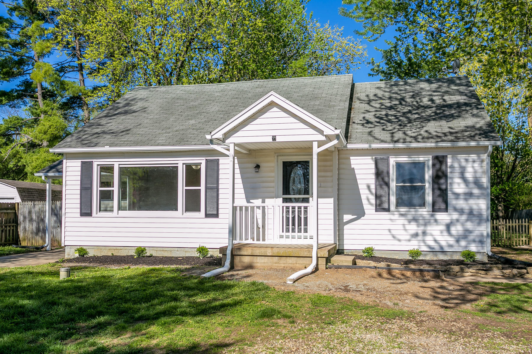 1524 Peters Road Property Photo