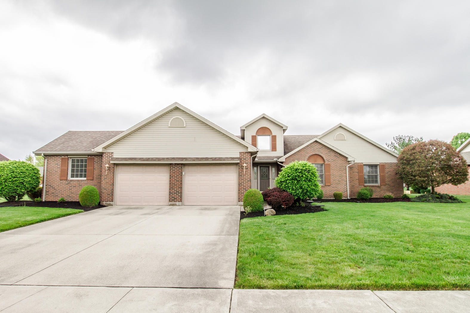304 Driftwood Drive Property Photo - Greenville, OH real estate listing