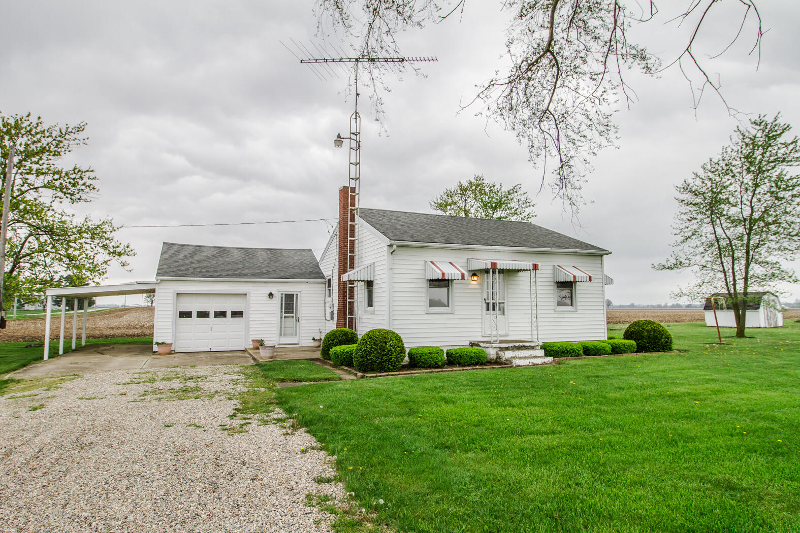 2512 State Route 47 Property Photo - Ansonia, OH real estate listing
