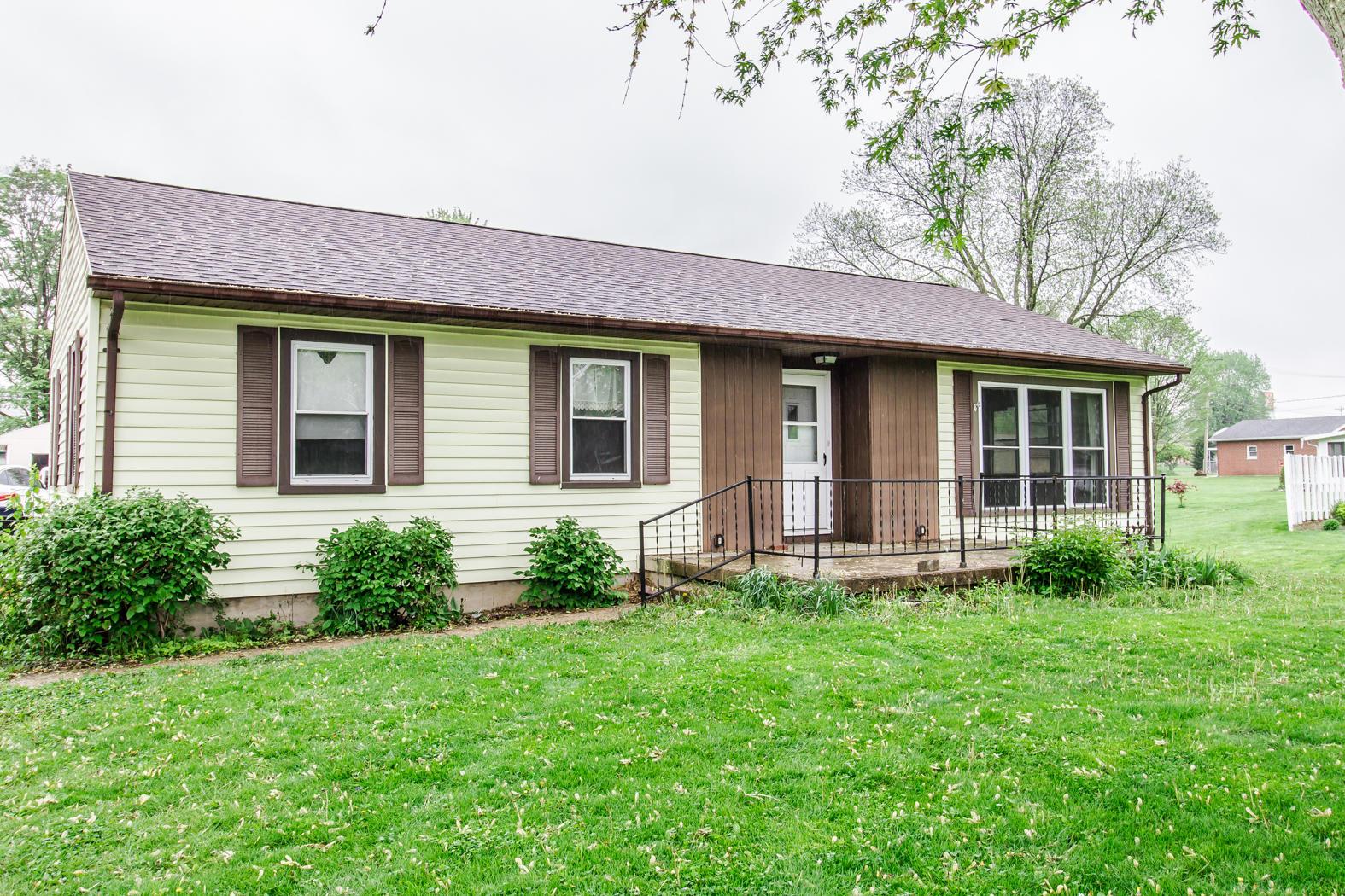 8215 Woodlawn Drive Property Photo 1