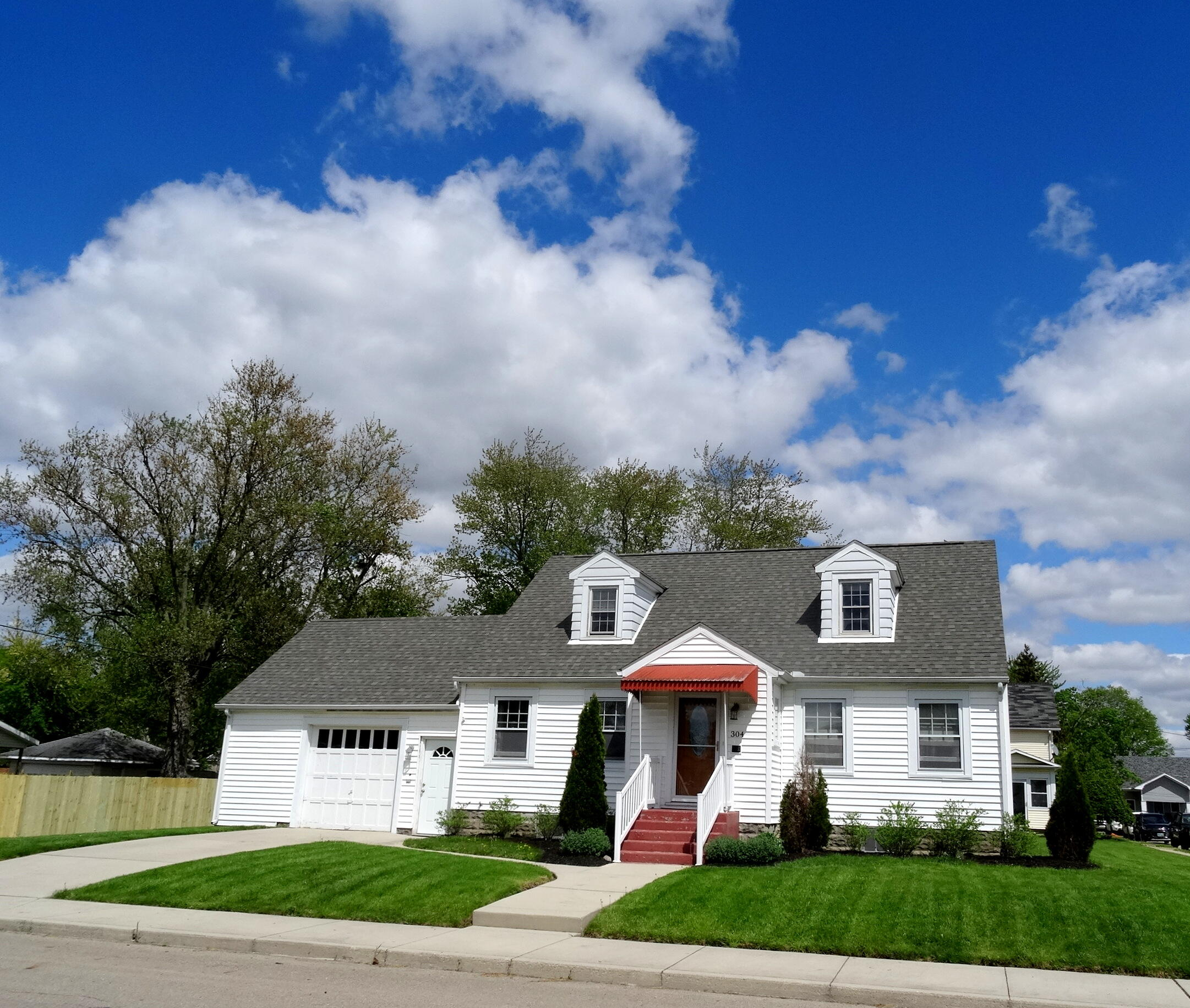 304 Clay Street Property Photo - Bradford, OH real estate listing