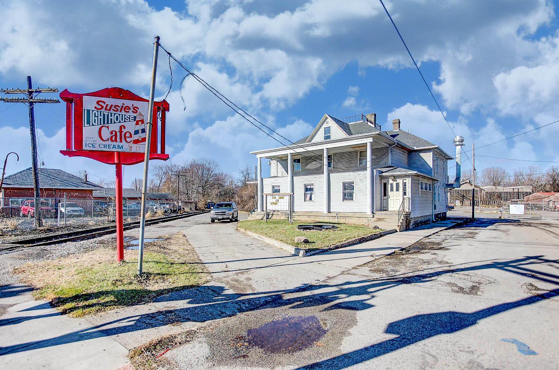 1776 Lagonda Avenue Property Photo