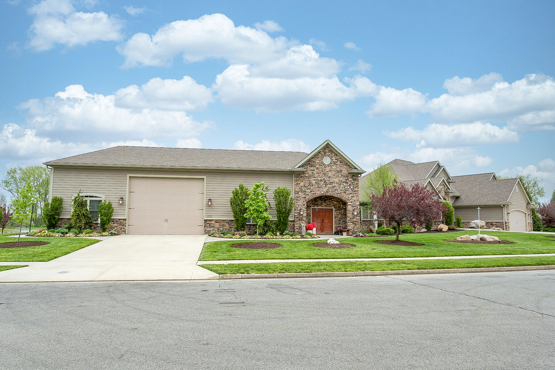 10240 Augusta Lane Property Photo 7