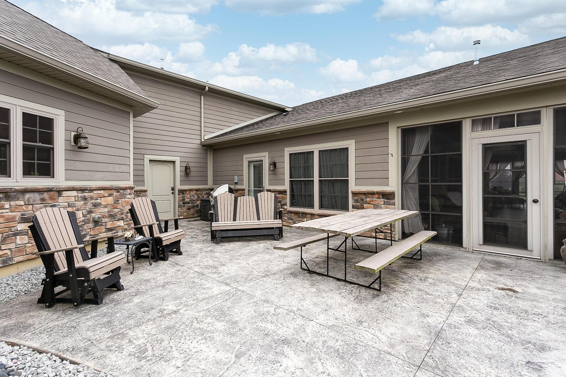 10240 Augusta Lane Property Photo 17