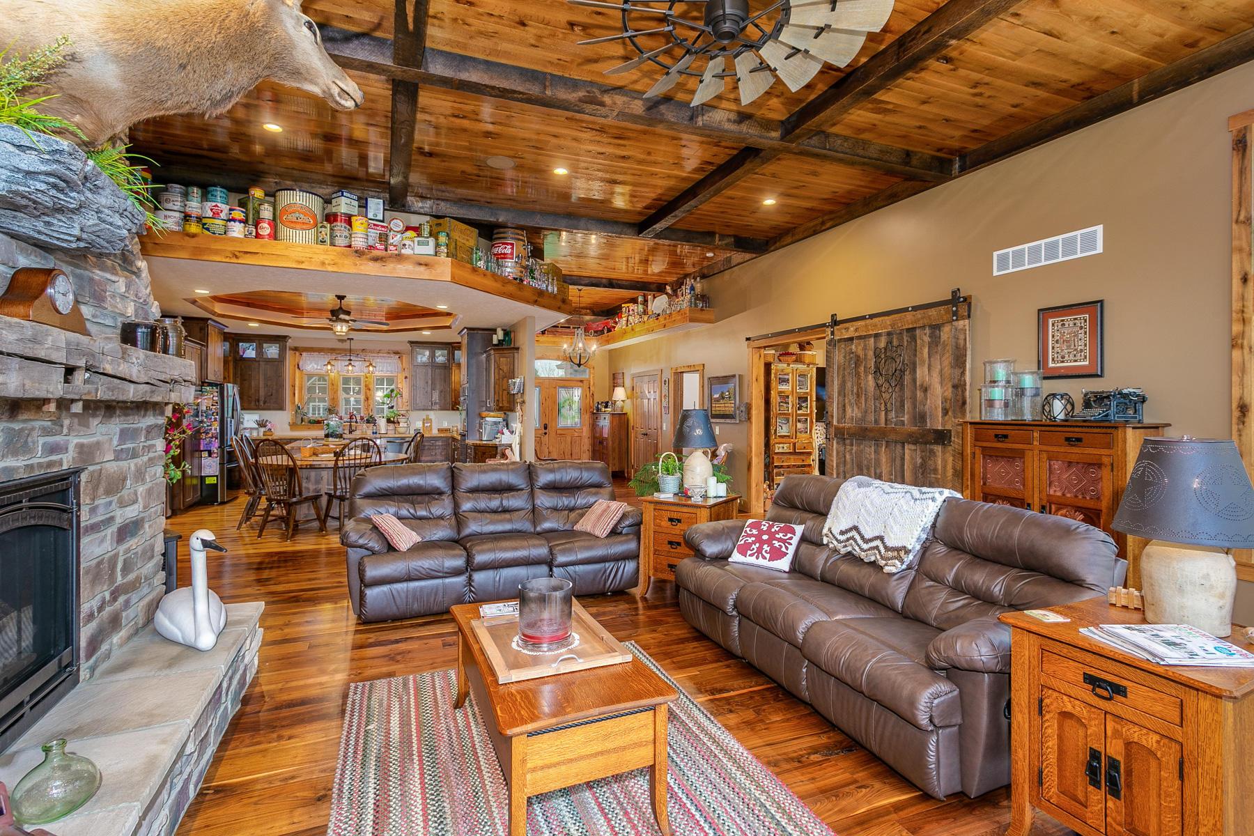 10240 Augusta Lane Property Photo 27
