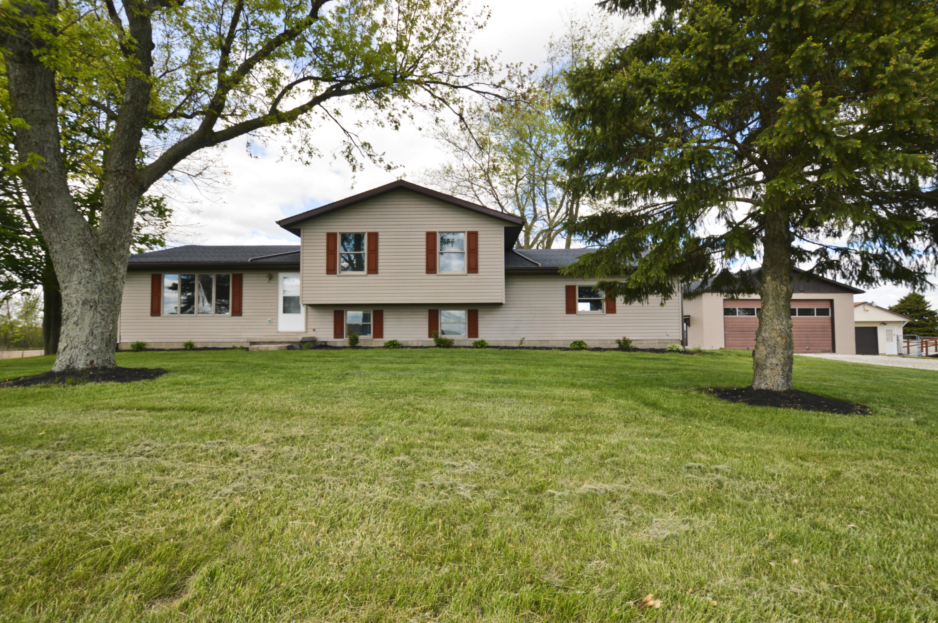 12975 Plattsburg Road Property Photo - South Charleston, OH real estate listing