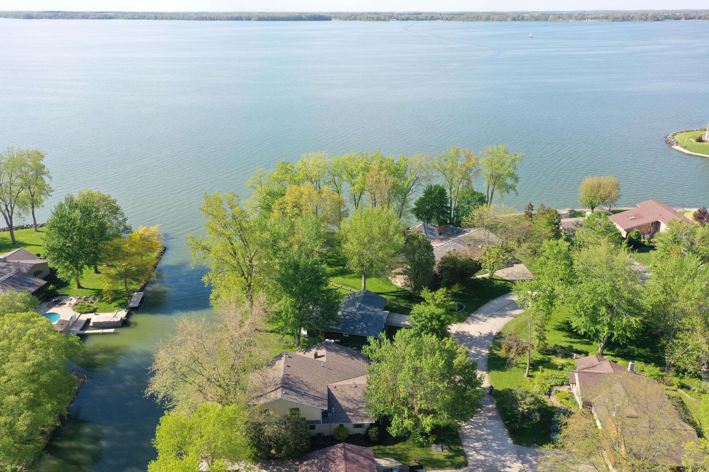 62 Southmoor Drive Property Photo - Saint Marys, OH real estate listing