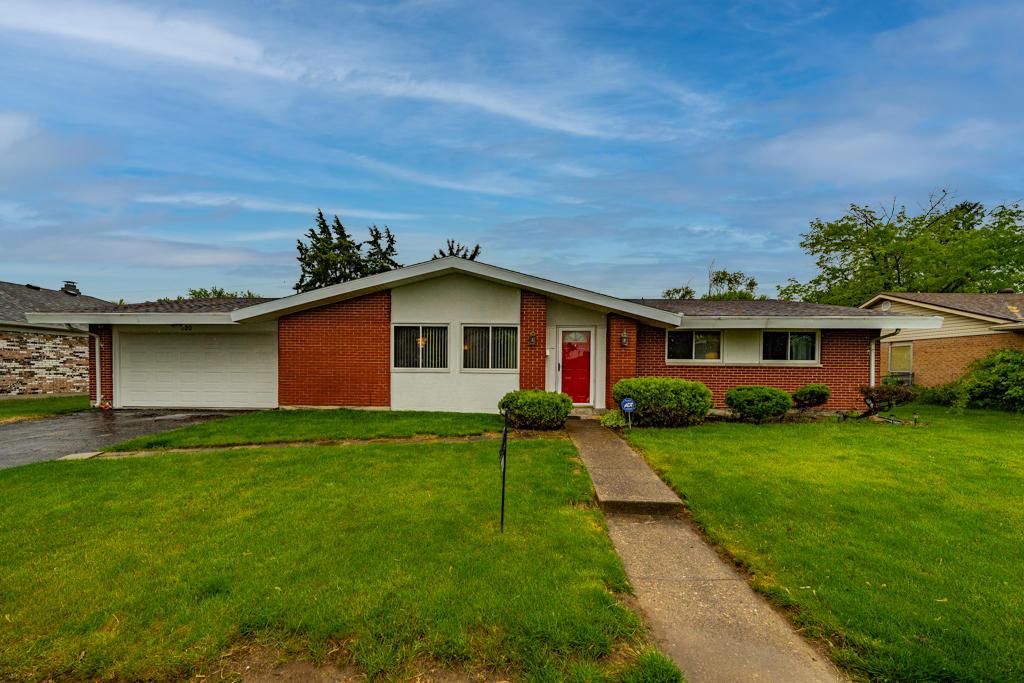 Broadmoor Sec 22 Real Estate Listings Main Image
