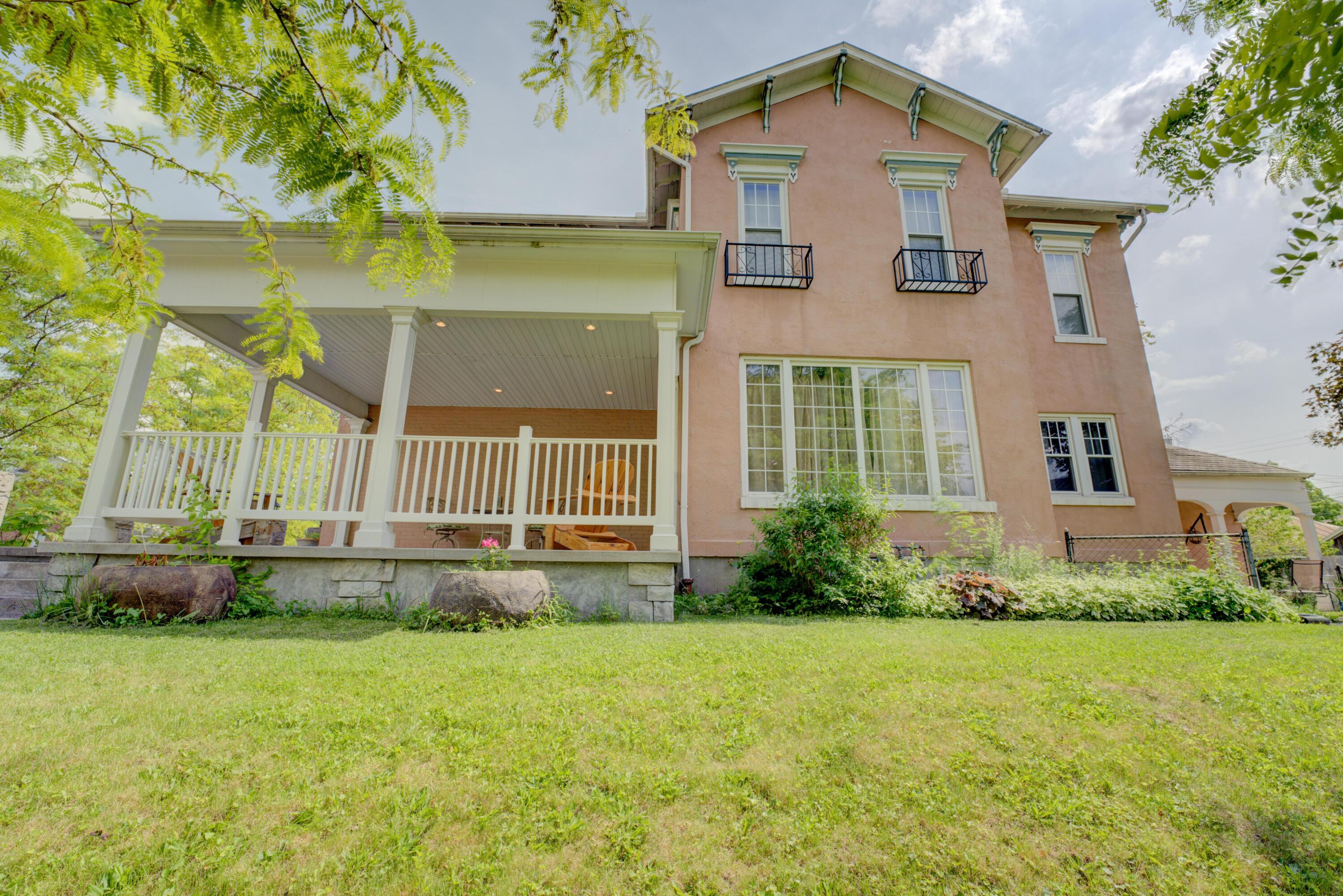 302 Washington Avenue Property Photo 1