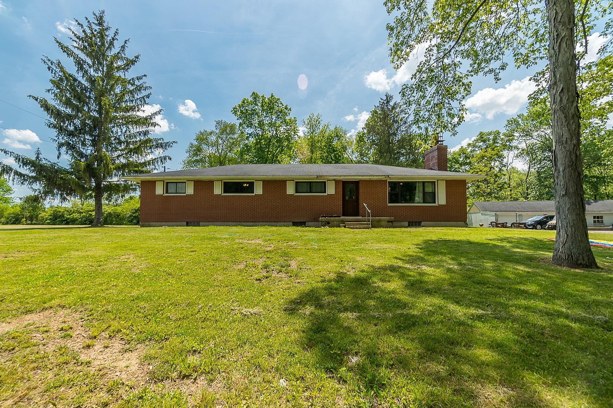 4258 Iddings Road Property Photo 2