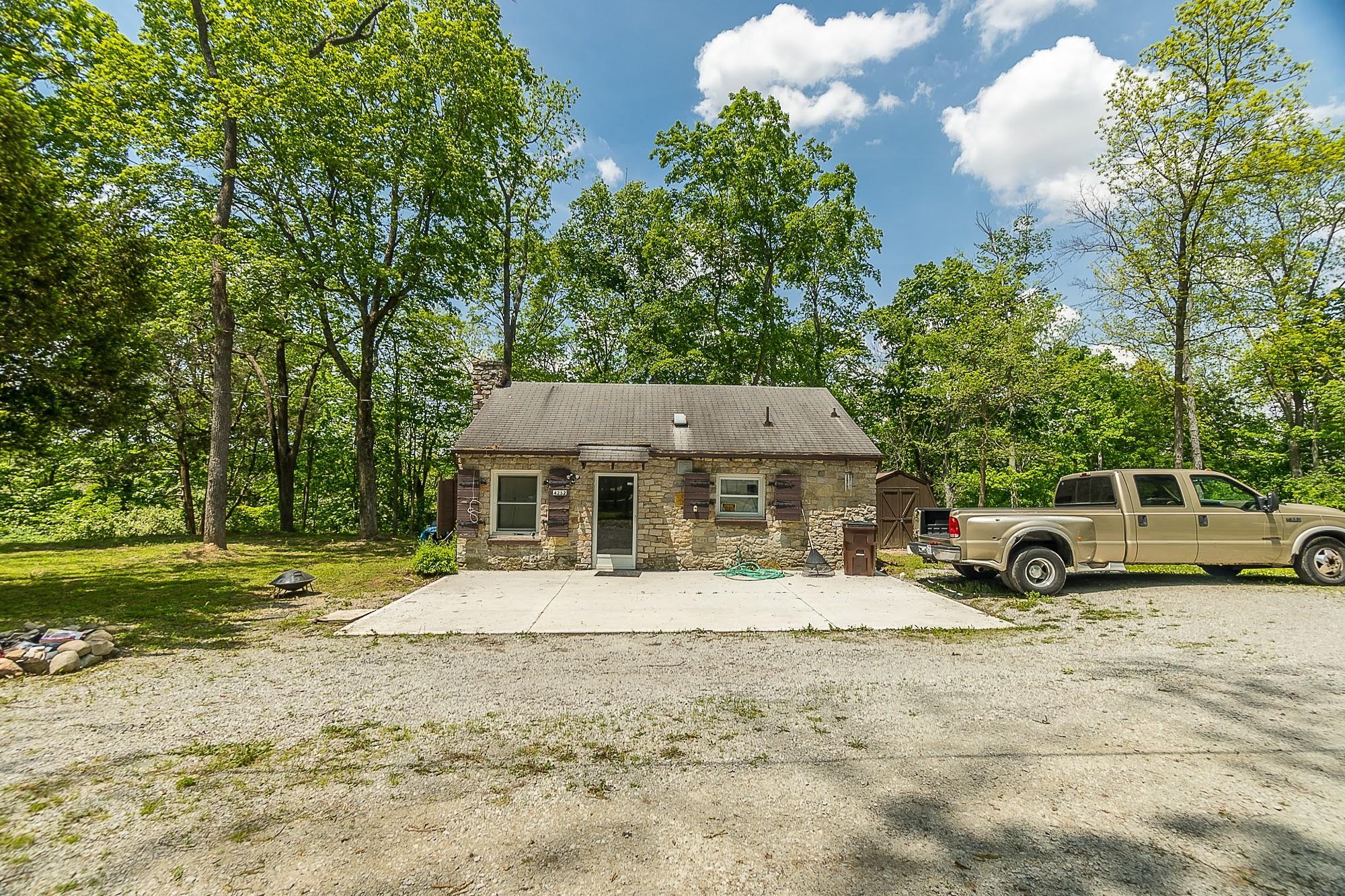 4258 Iddings Road Property Photo 57