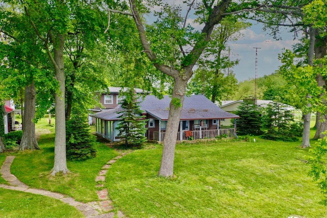 10262 South Walnut Island Property Photo