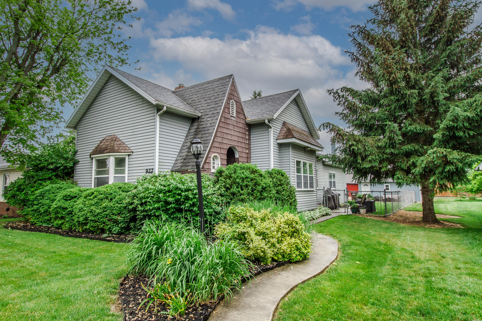 922 Wayne Avenue Property Photo
