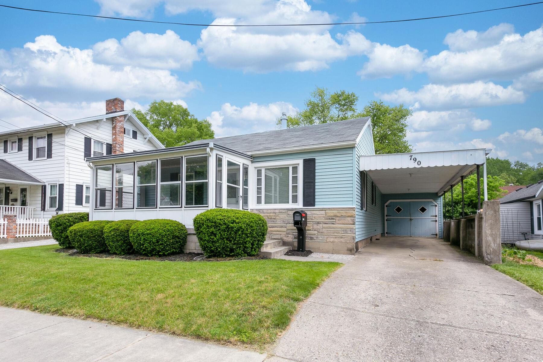 790 N High Street Property Photo