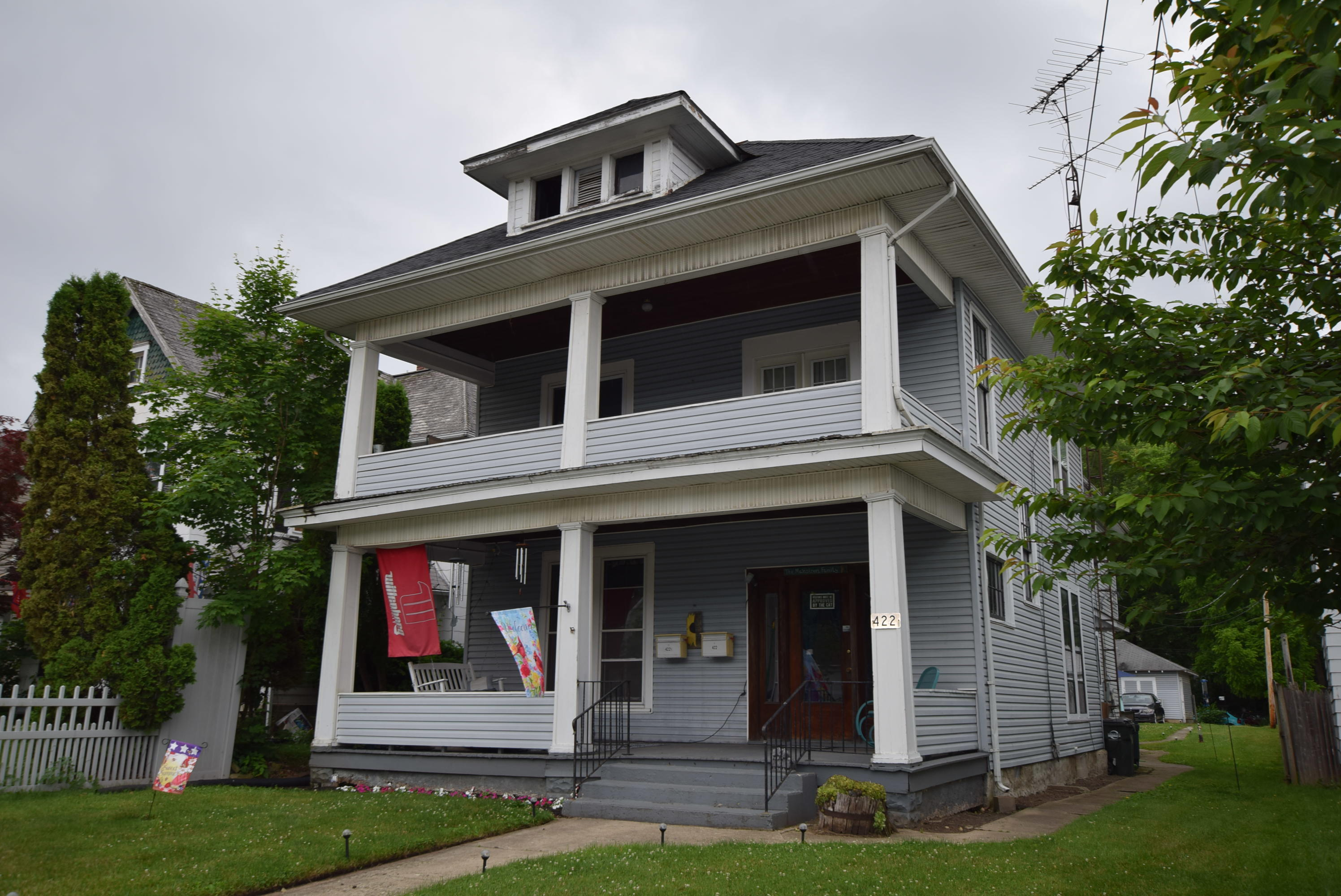 422 S Main Street Property Photo 1