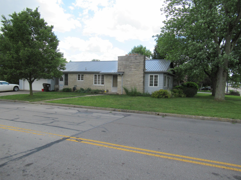 925 E Main Street Property Photo
