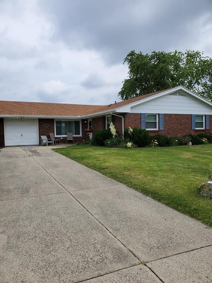 2440 Sherwood Drive Property Photo